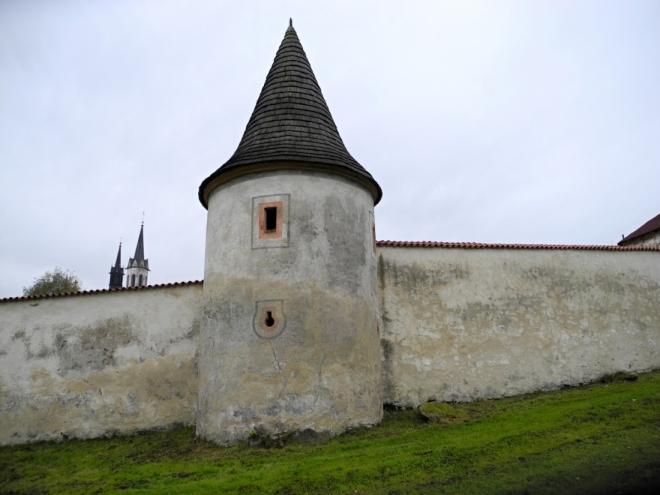Věže dokreslují malebnost celého klášterního komplexu.