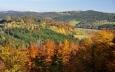 Opět Ktišská hora a hřeben táhnoucí se ke Zlatému potoku a Chrobolům.