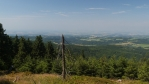 jediné místo, kde je trosku vidět do východních Čech ...