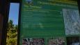 vrchol Tetřevce je stranou hřebenové stezky, tohle info tabule co je tady k vidění ...