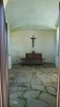 i zdejší vrata kaple jsou na řetěz, novodobý zvyk ve zdejsích krajích, co není na řetězu zmizí ...
