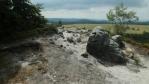 v této části skal vede turistický chodník po jejích vrcholech, nebo těsně pod nimi ...