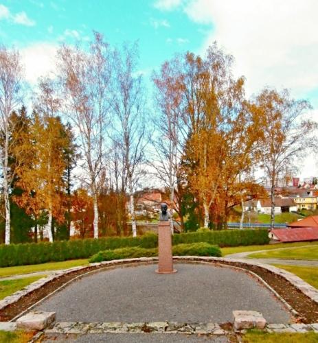 V areálu - busta T. G. Masaryka