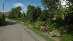 některé domy mají pěkné zahrádkoskalky před i za domem . . .