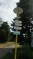 turistický rozcestník za Přibyslaví, dál to vezmeme po žluté na údajně parádní vyhlídku do údolí řeky Metuje . . .
