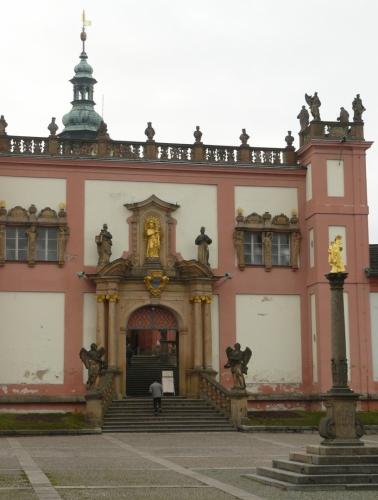 Mariánský sloup a Pražská brána