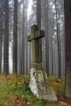 Kamenný kříž nad Zuklínem.