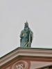 Na střeše františkánského kostela Zvěstování Panny Marie