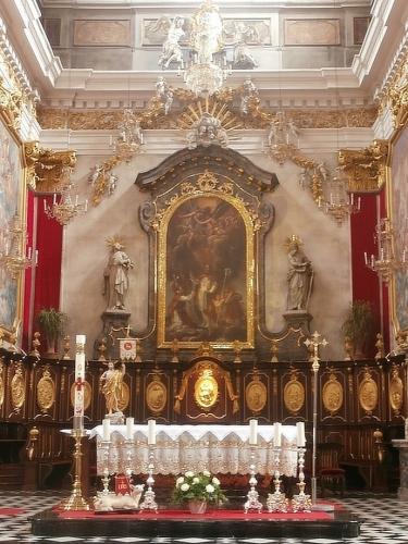 Oltář uvnitř katedrály