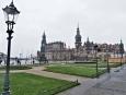 Pohled k zámku, míříme ke Zwingeru