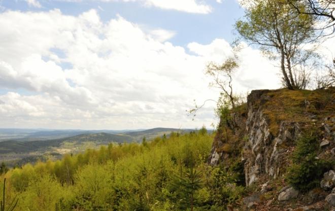 Skalka výhledového ochozu. Velmi pěkné místo bylo na nejhezčím úseku naší cesty.