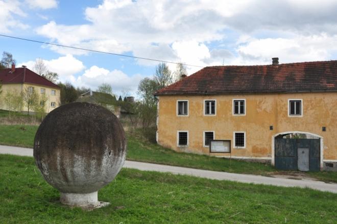 U dělové koule v Třebovicích.