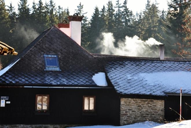 Hájenka Veselka nabízí i celoroční ubytování na krásném, tichém a lidmi opuštěném místě.