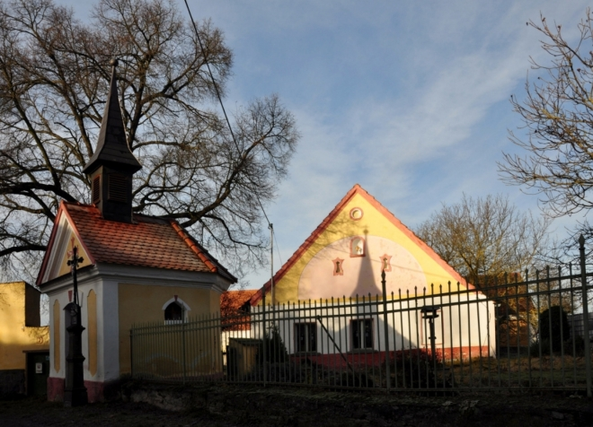 Kaplička v Tažovické Lhotě.