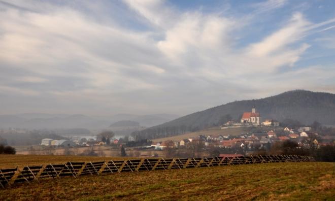 Nezamyslický kostel. Ves Nezamyslice se poprvé připomíná již v rode 1045 jako majetek břevnovského kláštera.
