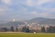 Největší hradní zřícenina v Čechách leží na vápencovém kopci nad stejnojmennou obcí. Jádro hradu vzniklo patrně na počátku 13. století ve formě strážní obytné věže. Hrad byl postaven na příhodném místě a jeho úkolem bylo chránit obchodní cestu spojující města Sušice a Horažďovice, a bohatá rýžoviště zlata podél řeky Otavy.