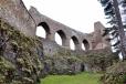 Středověký gotický hrad z přelomu 13.a 14. stol., který založil český pán Bohumil z Budětic. Hrad patří k dispozičně ojedinělým dílům české hradní architektury a jeho dominanty tvoří zříceniny starého gotického paláce Rajského domu s protější věží Putnou. Obě části jsou propojeny mohutným kamenným mostem se čtyřmi lomenými oblouky.