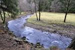Ostružná je pravostranným přítokem Otavy a vzniká soutokem několika šumavských potoků nedaleko obce Javorná. Teče severovýchodním směrem a u městečka Kolinec obrací svůj tok k jihovýchodu. Do Otavy ústí u Dobršína asi 5 km severovýchodně od Sušice. Ostružná je 39 km dlouhá a odvodňuje území o rozloze 169 km čtverečních.