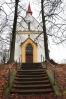 Na nedalekém vršíčku stojí kaple sv. Felixe.