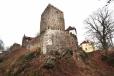 V období 14. a 15. století se na Klenové vystřídalo několik generací pánů z Klenového a Janovic. Za vlády Lucemburků předpokládáme intenzivní stavební činnost, zejména v severovýchodní části horního hradu nad zachovanými sklepy. Do té doby lze klást parkánový ochoz kolem celého hradu, který musel být na severní straně založen na klenutých obloucích, dodnes patrných z pohledu od hradního příkopu.