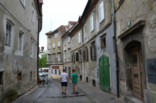 Studentská ulice (Študentovska ulica) nás zavádí do severovýchodní části starého města, kterou jsme ještě jedinou neviděli.