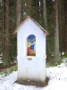 O kapli se až do roku 1945 starala rodina Heinzlova   (u Fronznbauerů ), na jejichž pozemku kaple stála a rodina Winterova  (u Tobiasnů) na jejichž pozemku stála křížová cesta. Celé skalnaté návrší s přilehlým lesem bylo ferchenhaidskými nazýváno  DIRNDLAU- Dívčí niva. Starousedlíci tvrdí, že poblíž kaple byla studánka s křišťálovou vodou, které přisuzovali zázračnou moc tomu, kdo se z ní napil. Dnes již zde původní kaple a křížová cesta nestojí. Po druhé světové válce za komunistického režimu došlo v roce 1956 k zbourání. Zachoval se pouze železný kříž na konci křížové cesty, který tam manželé Müllerovi osadili 18.září 1864.