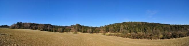 Panorama Tisovníku (589 m n. m.).