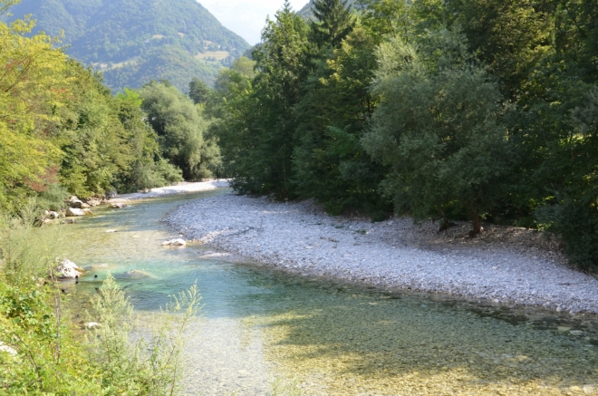 Tolminka má stejně jako Soča, která městem taktéž protéká, neobvyklý modrozelený odstín.