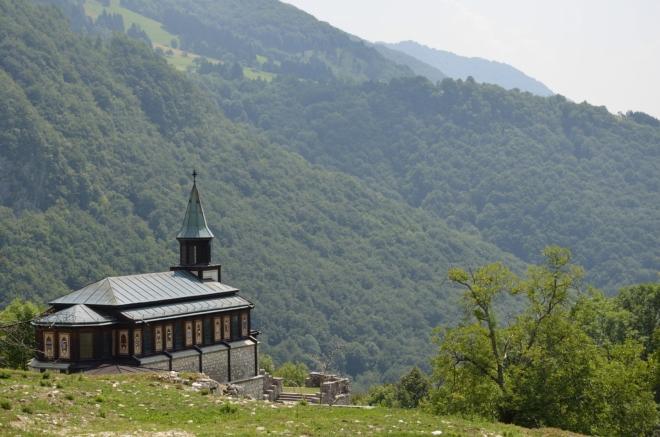 Kostel shora