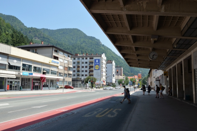 Cesta Maršala Tita před nádražím