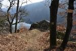 Vyhlídka je opatřena zábradlím a otavské údolí je z ní jako na dlani.