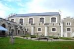 Budova Alšovy jihočeské galerie. Více zde: http://www.ajg.cz/vystavy/pripravujeme/mucha-2014/Více zde: http://www.ajg.cz/o-galerii/