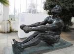 Sochy s názvy Veslař, Afrodité, Rozsévač a Venuše, které za války patřily do osobní sbírky Adolfa Hitlera, měly být součástí expozice na Zemské výstavě ve Vyšším Brodě, místo toho stojí ve vestibulu AJG na zámku Hluboká.
