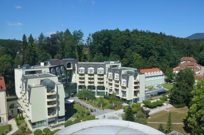 Čtyřhvězdičkový Grand Hotel Sava, další zařízení, kde bychom se vzhledem k cenám určitě neubytovali.