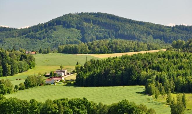 Vrch Hradiště 779 m n. m.).