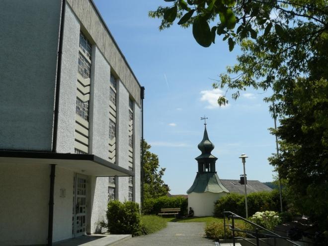 U kostela v Gegenbachu