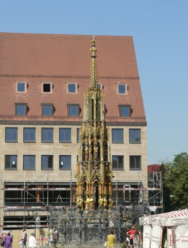 Kašna na náměstí v Norimberku