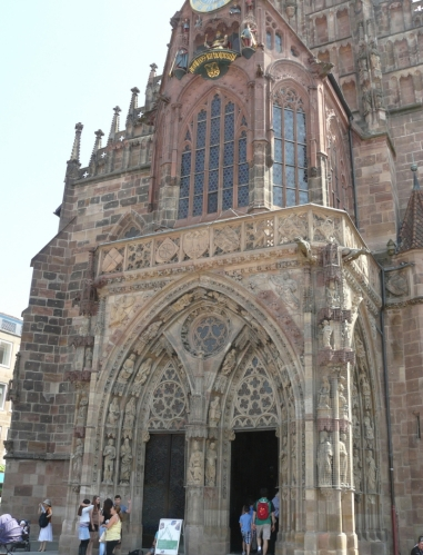 Kostel sv. Vavřince na náměstí v Norimberku