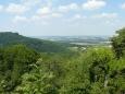 Vyhlídka na (snad) rovinatější krajinu pod Waldenburgem