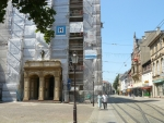 Náměstí v Durlachu a opravovaná radnice