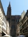 Katedrála z ulice naproti