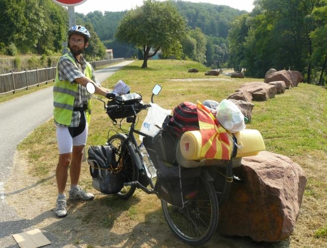 Makedonec, co žije v Česku a je na cestách