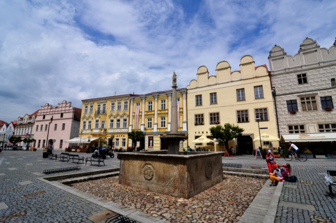 Jednotlivé domy jsou podrobně (viz předešlé foto) popsány nawww.i.slavonice-mesto.cz/html/cz/PAMATKY/pamatky.htm?p1=5855&p2=&p3=