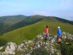 Konečně vydíme hlavní hřeben. Ten nás zítra čeká po vrchol nejvyšší hory Velké Fatry Ostredku. Tento úsek cesty je velmi podobný hřebenovým cestám po Roháčích.