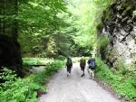 Dedošová dolina je nádherná, často úzká a skalnatá. Pokud ale sem chcete dojít z Gaderské doliny od Blatnice, zabere vám pochod několik hodin.