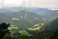 Na západě jsou již Strážovské vrchy.