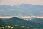 Smerem na Ilavu se otevřel pohled k Vršatským bradlům. Ty jsou lákavým cílem, ale vrchol Vápeče bude nakonac posledním.