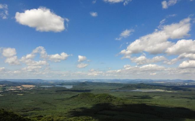 Výhled k Máchovu jezeru a Břehyňskému rybníku.
