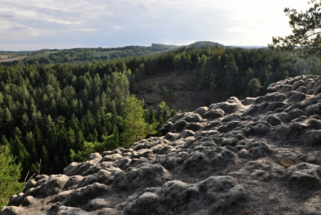 Zajímavě vytvarovaný Pruský vrchol připomíná skládku brambor.
