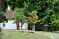 Senná brána je vstupem do obory Velký Dub.